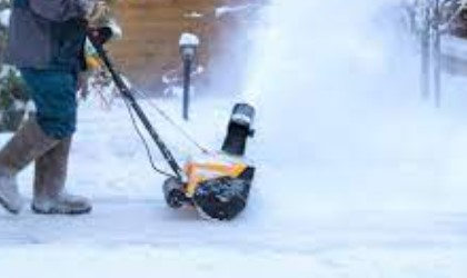 10 Best Electric Snow Blowers in 2021